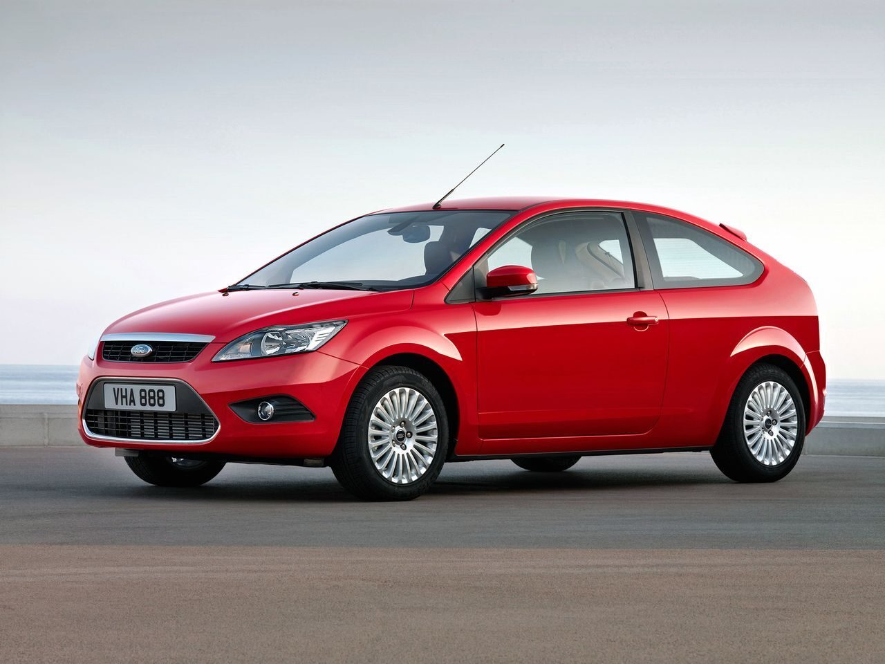 ford-focus-2-restyling-2008-hatchback-3-1